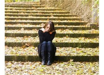 Sonbaharlarda ölürüm !