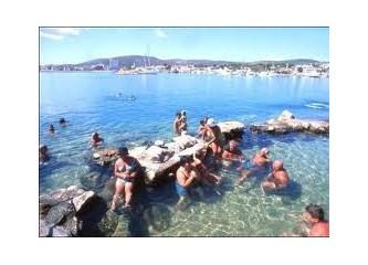 Çeşme Ilıca'da Deniz İçinde Arya