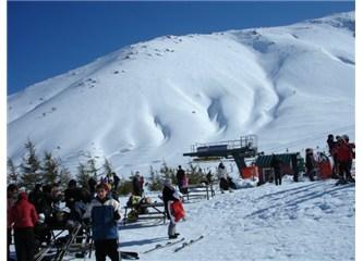Didimli Doğa Yürüyüşçüleri'nin Bozdağ'da kar yürüyüşü...
