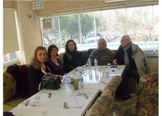 İzmir'de ''Tuzu Biberi''nde; MB yazarları dost meclisinde