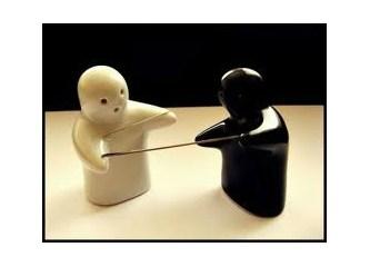 ''İğneyi kendine çuvaldızı başkasına batır!'' Kadına şiddete hayır!!!!!