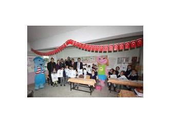 """Forum Mersin;""""Bir Kitap Bir Oyuncak"""" Sosyal Sorumluluk Projesiyle çocukları sevindirdi…"""