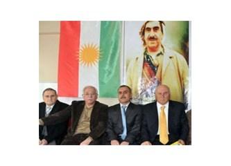 Kürt Bayrağı (!) Diyarbakır semalarında!