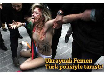 """Sultanahmet'ten """"Femen"""" geçti amma!... Biz ne anladık bu işten?.."""
