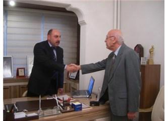 Bir konuk yazar: İsa Kayacan İlesam Genel Başkanı M.Nuri Parmaksız'la röportaj yapıyor