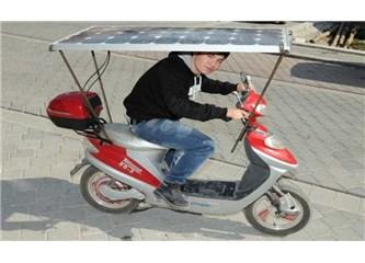 Elektrikli bisikleti güneş enerjisiyle çalıştırdı