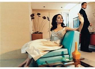 İçimizden biri Angelina Jolie