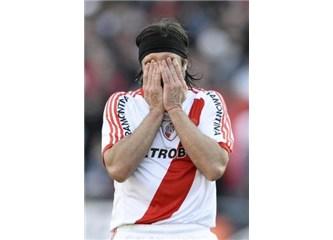 River Plate küme düştü!