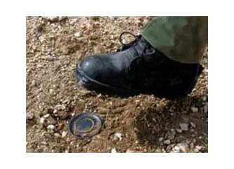 Sağduyulu Kürt vatandaşlar da birleşip terörü tel'in mitingi yapmalıdır !..