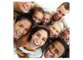 Gülmek İçin Neden Yaratın!