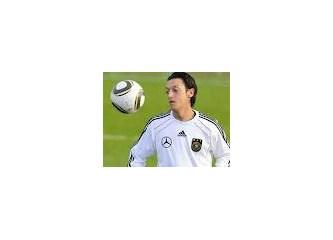 Alman Milli Marşını söylemeyen Mesut Özil, Alman Milli Takımından atılıyor mu?
