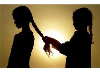 İpek saçlarını alıp elime sevgili kardeşim, anlatılmamış masallarda yolculuğa çıkalım seninle
