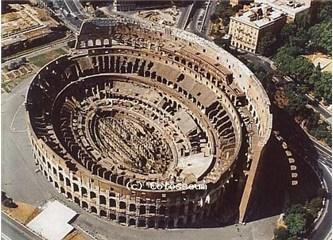 Açılışında yüzlerce insanın ve beş bin hayvanın kurban edildiği Arena