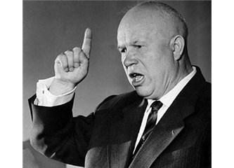 """Sovyet diktatörü Nikita Kruschev'in Batı Dünyasına tehdidi :""""Sizi gömeceğiz!"""""""