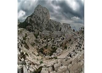 Termessos'un bilinen tarihi Büyük İskender'in İ.Ö. 333 yılında Termessos'u kuşatmasıyla başlar.