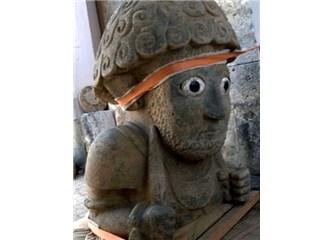 Arkeologlar Türkiye'de Bronz çağına ait dev bir heykel buldular!