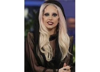Lady Gaga  + 18: Pek de umurundasınız!