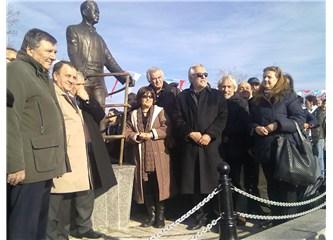 Silivri'de Nazım Hikmet heykeli açıldı.
