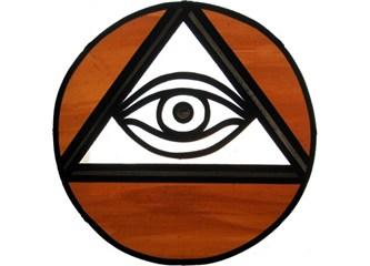 Üçgen, göz, piramit. Yoksa?