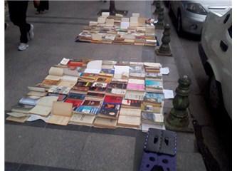 Kitaplarımdan ayrılma Öyküsü