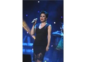 Nilüfer'in 13 Düet konserine gideceğim gün Şebnem Ferah'la da karşılaştım