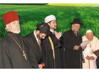 Hem Hristiyanlar, hem Museviler son kitap olan Kuran'dan sorumlular...