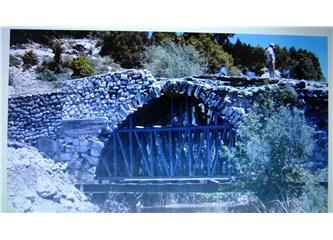Tarihi Urluca Köprüsü nihayet Restore ediliyor