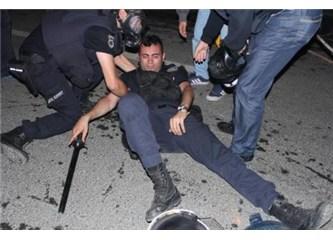 Eylemciler çiçek çocuk, genç fikir, doğru insan; polisler öcü (!)