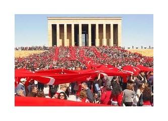 """Yine ve herşeye rağmen """"Yaşasın Türkiye Cumhuriyeti"""""""