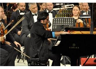 14. Uluslararası Antalya Piyano Festivali Fazıl Say'ın Water 'Su' adlı eseriyle başladı