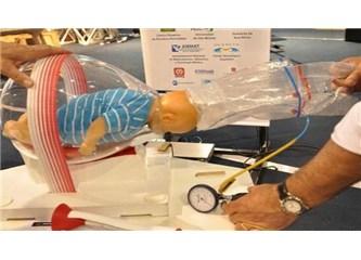 Arjantinli bir oto tamircisinden bebek ölümlerini önleyecek cihaz