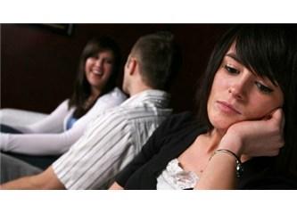 Erkek arkadaşınızın kız arkadaşları Kıskanılmalı mı?