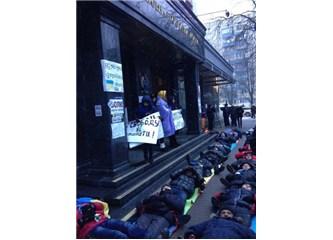"Ukrayna'da yeni fenomen ""Yatan adam"""