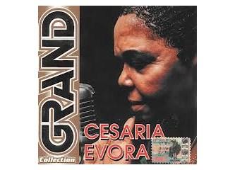 Unutulmayan bir Müzik Kraliçesi Cesária Évora....