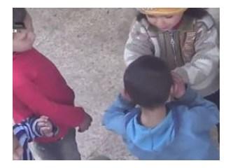 Esad'ı iki küçük kız çökertecek