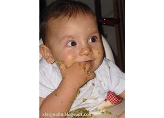 Finger food yöntemiyle katı gıdaya geçiş