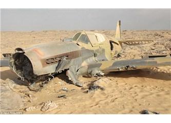 116 kişiyle uçak, çöle düştü