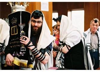 Tevrat'ta tüm Yahudilere alçakgönüllü olmaları tavsiye ediliyor