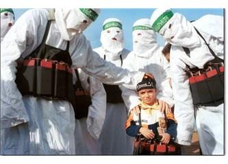 Siyasal İslam dışındaki İslam İslam değil; siyasal İslam'da dincilik geçerli, dindarlık makbul değil