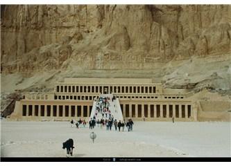 Tarih sayfasından silinmek istenen kadın firavun: Hatçepsut