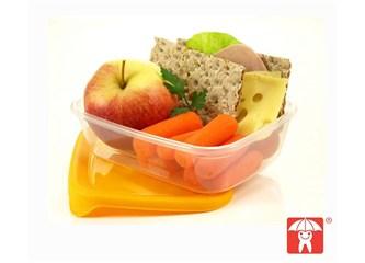 Okul beslenme çantalarını hazırlarken!