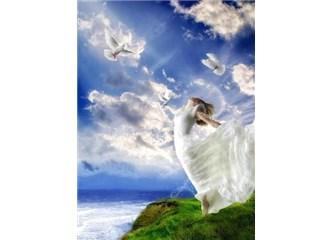 Sen bir melek olsaydın... Kendine gökyüzünden baksaydın