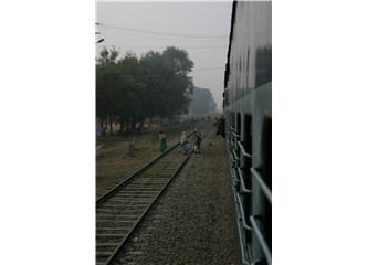 Hindistan'da tren beklemek
