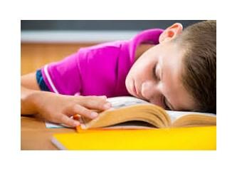 Ağır okul sorumlulukları çocukların psikolojisini bozuyor!