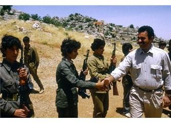İşte Hilary Clinton'ın destek verdiği kadın PKK teröristler!