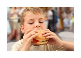 Çocuğunuzun Duygu Durumunu ve Davranışlarını Olumsuz Etkileyen 6 Yiyecek