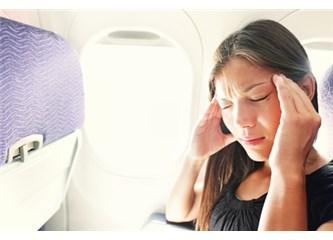 Uçakta Basınç Hasarından Kulaklarınızı 8 Adımda Koruyun