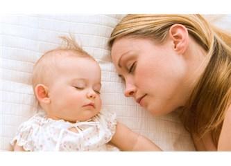 Uyku eğitimi sendromu: Uyku eğitimi mi, duygusal bağ mı?