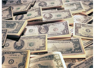 Dolar, Sterlin karşısında İngiltere'den gelen yeni verilerle değer kazandı