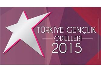 Türkiye Gençlik Ödülleri / Medcezir, Çağatay Ulusoy ve Serenay Sarıkaya ödül aldı!